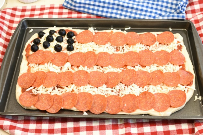 American-Flag-Pizza-7.jpg
